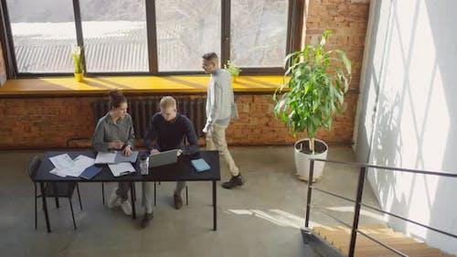 Coworking im großzügigen Loft