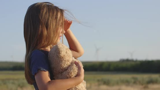 Thumbnail for Girl Looking Around in Field