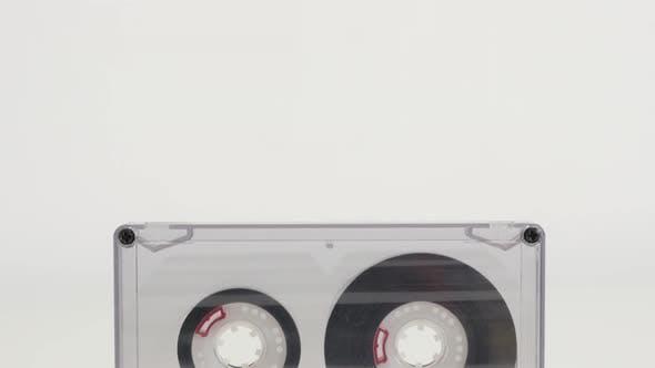 Thumbnail for Kompakte Audio Kassette Teile und detaillierte Struktur 4K 2160p 30fps UltraHD kippen Filmmaterial - Transp