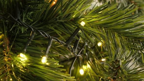 Thumbnail for Helle Weihnachten Fairy Lights blinkt 4K 2160p 30fps UltraHD Filmmaterial - LED funkelnde Dekoration o