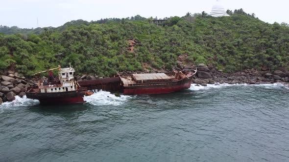 The Rusty Shipwreck Run Aground