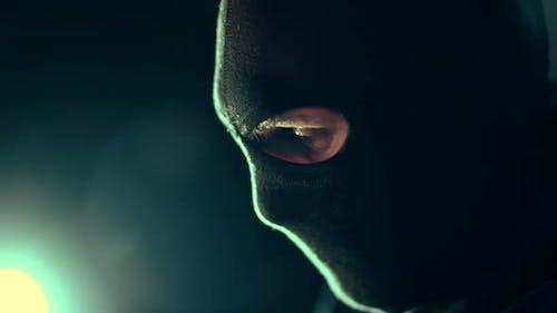 Profil Show von Männern, die schwarze Maske tragen
