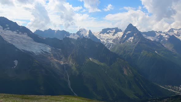 Thumbnail for Bergszenen im Nationalpark von Dombay, Kaukasus