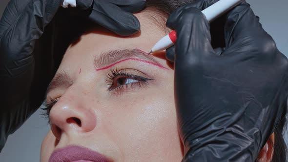 Thumbnail for Esthéticienne Dessin Nouvelle Forme Sourcil pour Tatouage Permanent