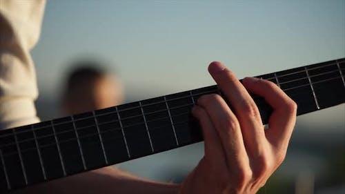 Fingerpicking on Solo Guitar