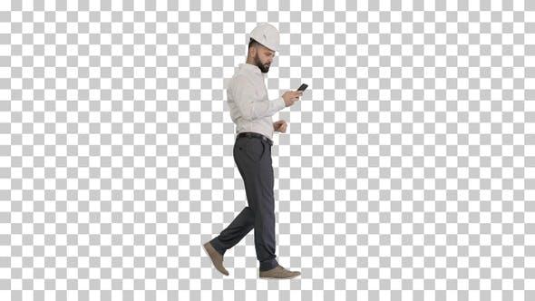 Ingénieur marche et utilisation d'un smartphone, Alpha Channel