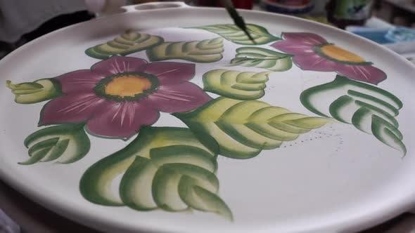 Porzellanteller Blumen- und Blattmotiv Imitation
