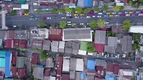 Schöne Aussicht von der Spitze der Häuser mit Ziegeldächern