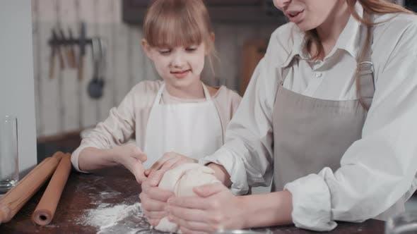Kneading Elastic Yeast Dough