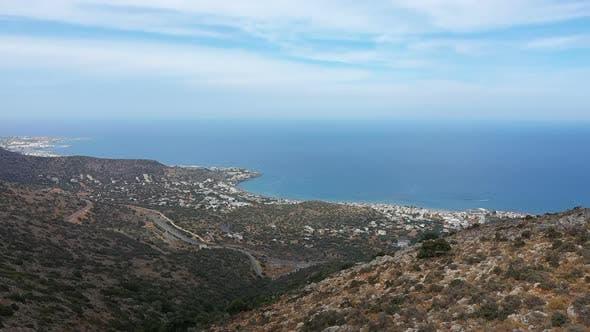 Belle vue aérienne de l'île grecque de Crète. Vue sur la mer, Montagnes sur Crète 2019