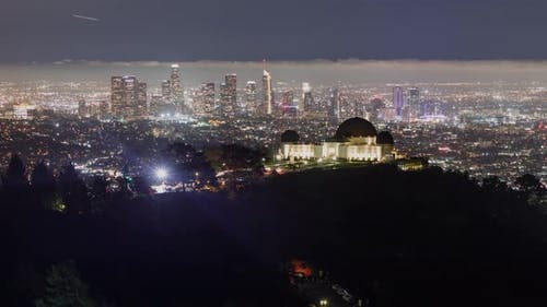 Time lapse of downtown Los Angeles behind the Griffith Observatory