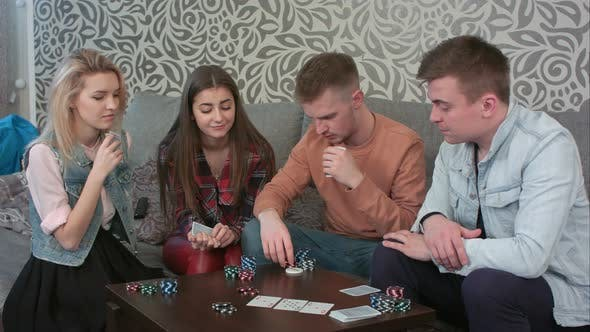Cover Image for Teen Friends Playing Cards at Home