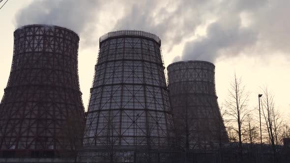Power Plant Emits Thick Smoke