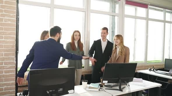 Erfolgreiches Young Business Team feiert Erfolg