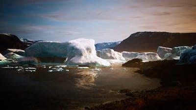 Many Melting Icebergs in Antarctica