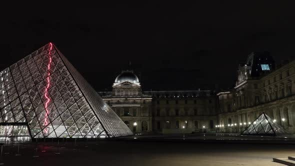 Thumbnail for Hyperlapse of Louvre and Pyramid at Night