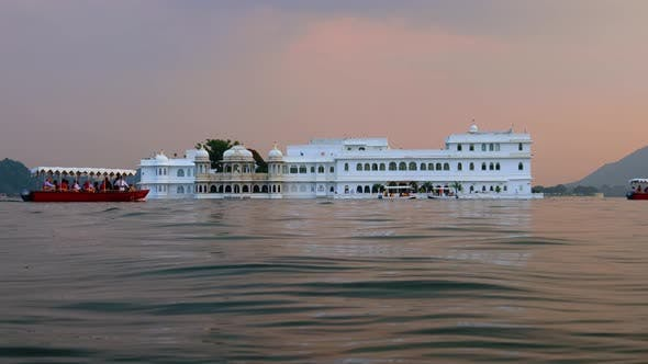 Thumbnail for Udaipur, auch bekannt als die Stadt der Seen, ist eine Stadt im Bundesstaat Rajasthan in Indien
