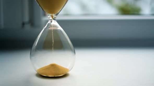 Glass Sandwatch with Yellow Sand