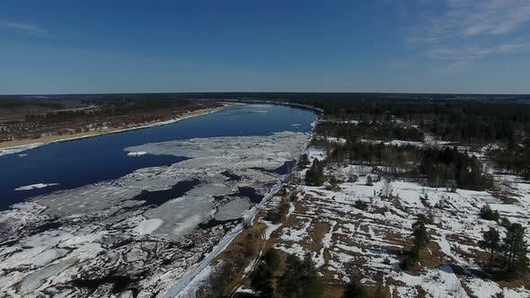 Cover Image for Ice On River In Spring Top View