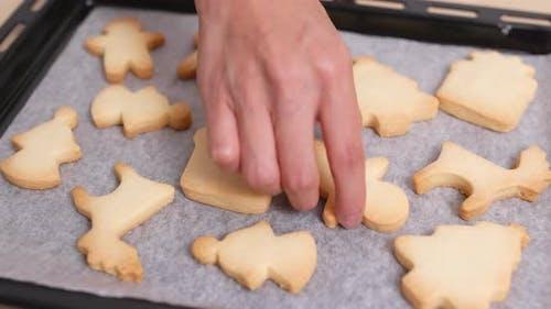 Finishing Cookies auf dem Tablett
