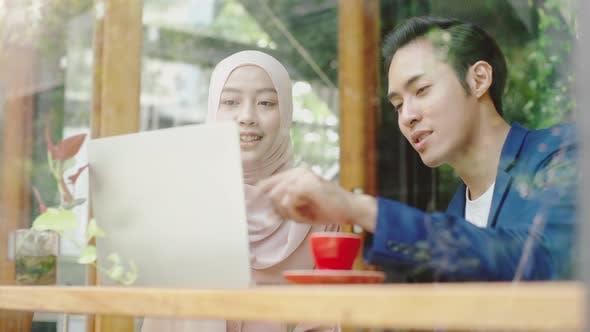 Asian Muslim SME Business Entrepreneur 01