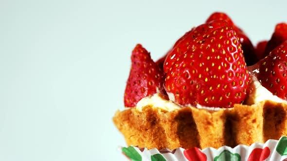 Deliciouse Strawberry Cake 8