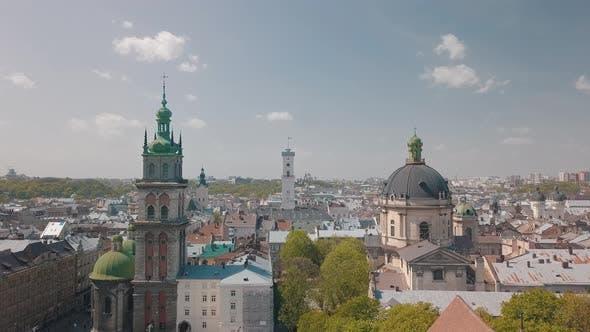 Thumbnail for Lemberg, Ukraine. Luftstadt Lviv, Ukraine. Panorama der Altstadt. Dominikanische