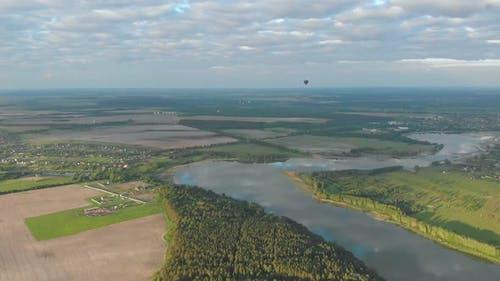 Rivière en montgolfière
