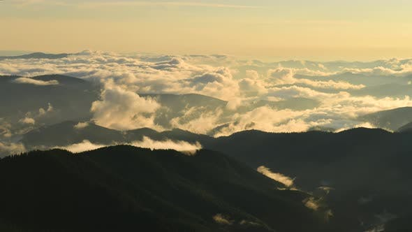 Cover Image for Video Footage Timelapse of Carpathian Mountains