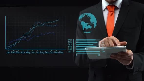 Thumbnail for Geschäftsmann verwendet holographische Schnittstelle, Zeichnen eines aufsteigenden Finanzdiagramms. Display-Logistik