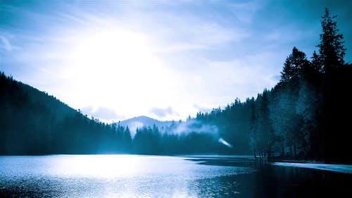 Zeitraffer Technic Time Lapse at Sinevir Lake in Carpatian Mountains