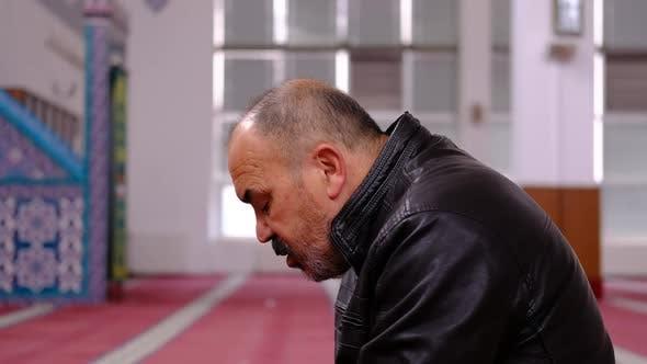 Muslimischer Kopf in Moschee