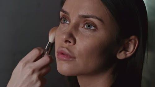 Doing Flawless Makeup