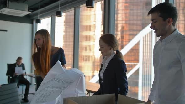 Thumbnail for Ingenieur-Team Kollegen Work Office Besprechen Gebäudeplan Design-Projekt.