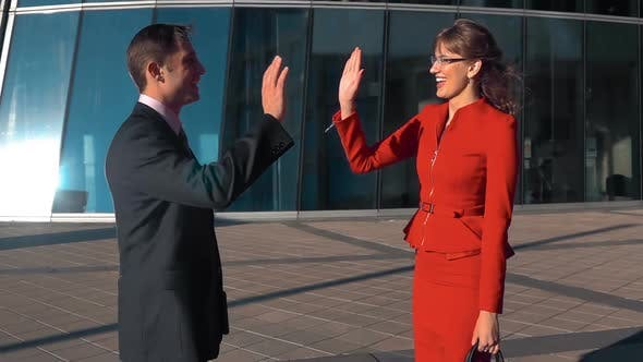Cover Image for Business People High Five Outdoor