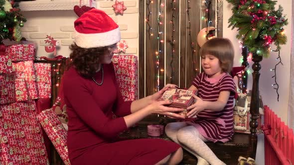 Thumbnail for Mom Gives Daughter a New Year Gift