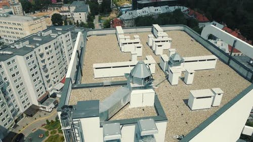 The Roof of a Multistorey Building and Communications on the Roof