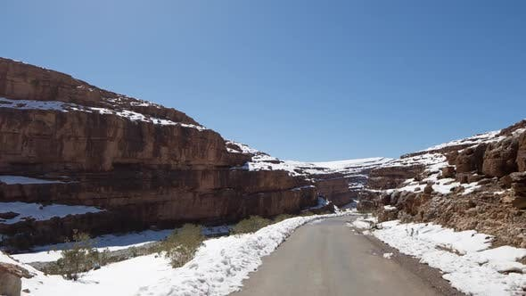 drive off-road snow dangerous morocco