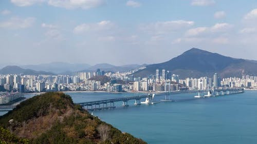 Korea Busan Landschaft mit Berg und Fluss