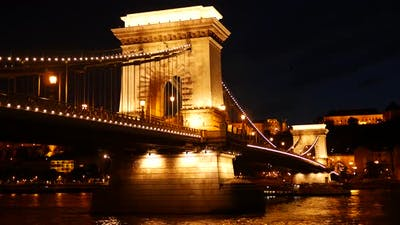 Time lapse of the Széchenyi Chain Bridge at night