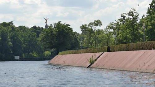 Berlin City - Spree River - Tiergarten Park