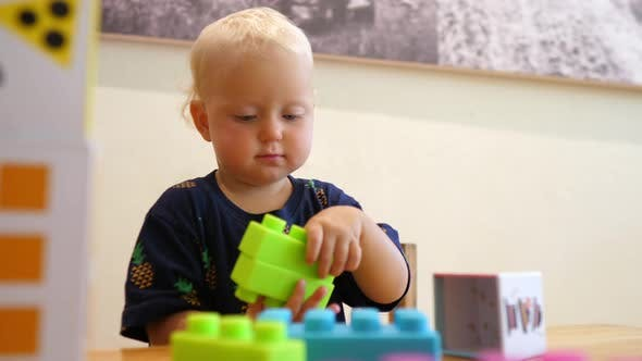 How to Keep a Toddler Busy