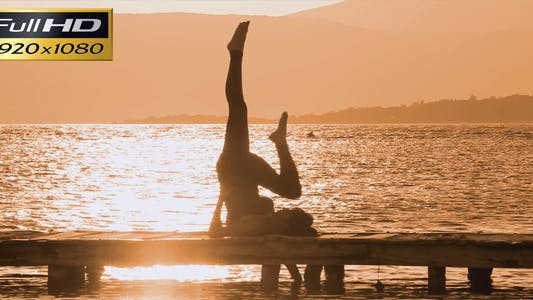 Thumbnail for Gymnastic In The Sunset