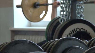 Mirror And Powerlifting