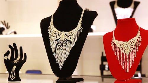 Shopping Jewelry