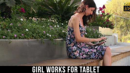 Cover Image for Girl Works For Tablet 42