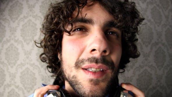 Julian Headphones 04