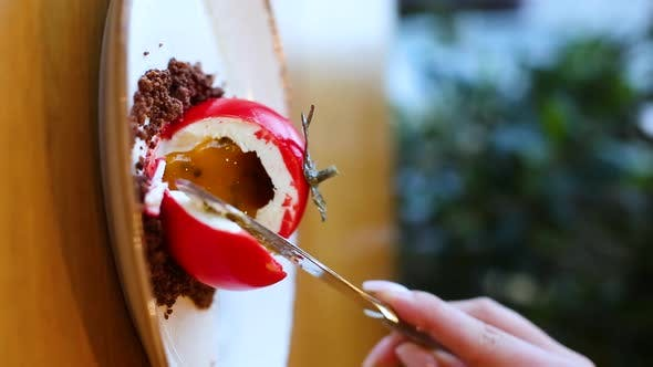Thumbnail for Dessert in the Form of a Tomato