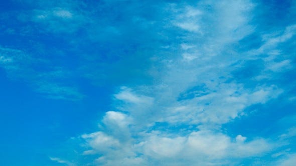 Wolken bewegen