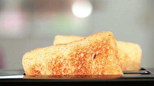 Springende Toasts